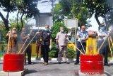 Kejari Padang musnahkan ribuan botol miras ilegal