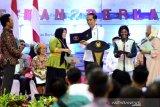 Presiden Jokowi berdiskusi dengan warga Kaltara