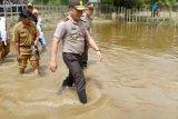 Kapolda Riau blusukan di lokasi banjir Kabupaten Kuansing