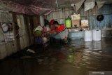 Enam warga meninggal akibat banjir dan longsor di RProvisi Riau