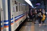Polisi tangkap kawanan maling barang penumpang di kereta api
