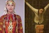 Benarkah 'Fatimah Aynur' adalah perempuan Uighur yang disiksa China?
