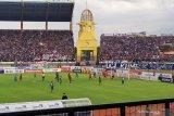 Persib unggul 2-1 atas PSM Makassar pada babak pertama