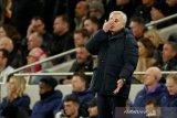 Liga Inggris -- Mourinho frustasi dengan pertahanan buruk Tottenham