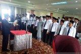 48 anggota Panwascam Agam dilantik, diajak bekerja profesional