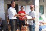 Anggota DPRD Agam salurkan bantuan sembako bagi korban banjir bandang