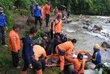 13 orang selamat dalam kecelakaan bus masuk jurang