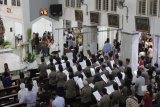 Uskup Paroki Tanjungkarang imbau umat memanusiakan sesama manusia