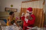 RS Brayat berbagi kebahagiaan Natal bersama pasien