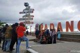 Libur akhir tahun, Pantai Padang mulai ramai pengunjung dari luar provinsi