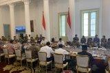 Presiden Jokowi minta regulasi turunan Omnibus Law disusun bersamaan