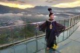 Fashion Show Kemilau Toraja 2019 di jembatan kaca patung Yesus