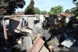 Benarkah asrama TNI-AD di Kupang terbakar karena tersambar petir?