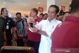 Presiden Jokowi mengajak cucu liburan ke mal