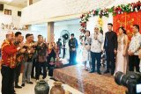 Koyem hadiri prosesi nikah adat putra Parimus di Sampit