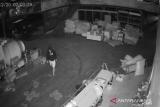 Pencuri bobol barang senilai Rp1 miliar
