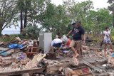 Fasilitas wisata Waijarang Lembata rusak dilanda angin kencang