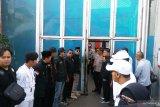 Mulan Jameela jemput musisi Ahamd Dhani di Rutan Cipinang