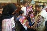 Warga Talangsari pertanyakan penyaluran bantuan 400 paket alat tulis