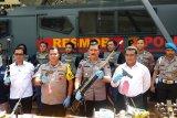 Polda Lampung tangkap pembuat senjata rakitan