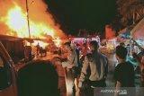 26 kios Pasar terbakar, polisi usut penyebabnya