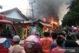 Di Kendari 10 rumah warga  hangus terbakar