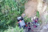 Tiga orang terluka akibat satu unit pickup terjun ke jurang di Aceh Tengah