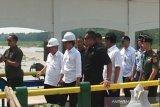 Jokowi jalan kaki melintasi jembatan Bendungan Kamijoro Yogyakarta (VIDEO)
