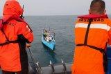 Basarnas evakuasi lima nelayan di perairan Pulau Barang Lompo