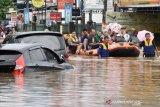 Ketinggian air banjir di Bekasi capai dua meter