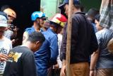 Tiga warga meninggal akibat tertimbun longsor di Depok