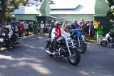 Ustadz Abdul Somad menuju lokasi tabligh akbar dengan kendarai Harley