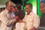 Pemkab Konawe Utara memberi penghargaan LKBN ANTARA Sultra terkait banjir