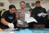Lukai dua petugas dengan pisau, Polisi tembak mati pengedar narkoba jaringan Tahun Baru