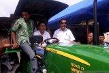 Pemkab Sigi bantu mesin pertanian ke petani