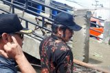 Dinilai langgar aturan, jembatan Pasar Patikraja diminta dibongkar