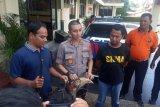 Koleksi burung enggang yang sudah diawetkan, warga Agam ditangkap polisi