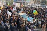 Ribuan berpakaian hitam sambut kedatangan Jenazah Jenderal Soleimani ke Iran