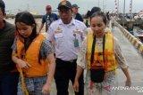 KM Aditya tengelam di Labuan Bajo, tim SAR selamatkan Lima wisatawan asal Solo
