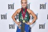 Latihan fisik jadi prioritas Carrie Underwood ketimbang perawatan kulit