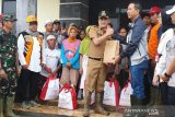 Presiden Jokowi kirim bantuan 6.000 paket sembako ke Kecamatan Sukajaya