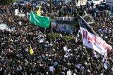 32 tewas akibat berdesak-desakan saat pemakaman Soleimani
