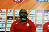Jakcsen Tiago tetap pelatih Persipura musim 2020