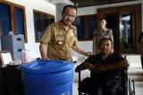 Tingkatkan gotong royong di masyarakat, Bupati Seruyan bantu RT dan RW