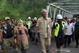 Merusak jembatan, warga dilarang menambang di bawah Jembatan Kalikeruh