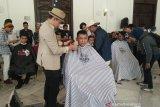 Galang bantuan untuk korban bencana 'Cukur Rambut Bayar Seikhlasnya' terkumpul Rp14,2 juta