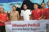 Alfamart Bantu Kebutuhan Pokok  Korban Banjir