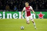 Solksjaer berpaling  ke gelandang Ajax Donny van de Beek