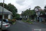 Rumah dinas Komisioner KPU Wahyu Setiawan sepi dan dijaga ketat