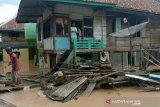 12 unit rumah hanyut  akibat banjir bandang di lahat